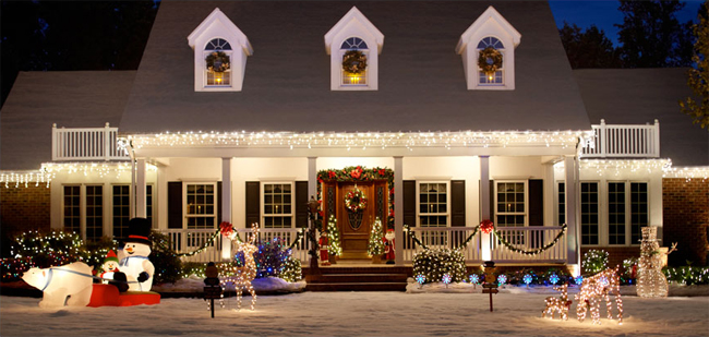 Elegant outdoor holiday decorating tips and tricks - Christmas decorating exterior house ...