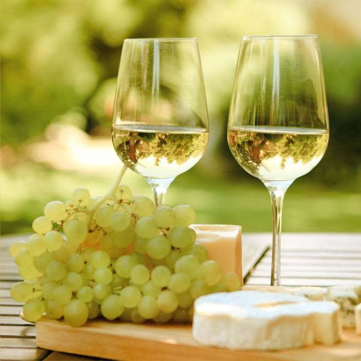 On A Lighter Note Your Guide To White Wine ⋆ Makobi Scribe